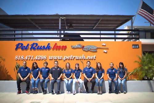 pet-rush-inn-staff
